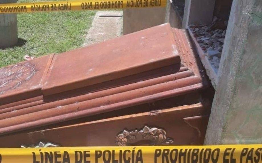 Photo of Decapitan a difuntos en panteón de Tepatitlán; se llevan 4 cabezas