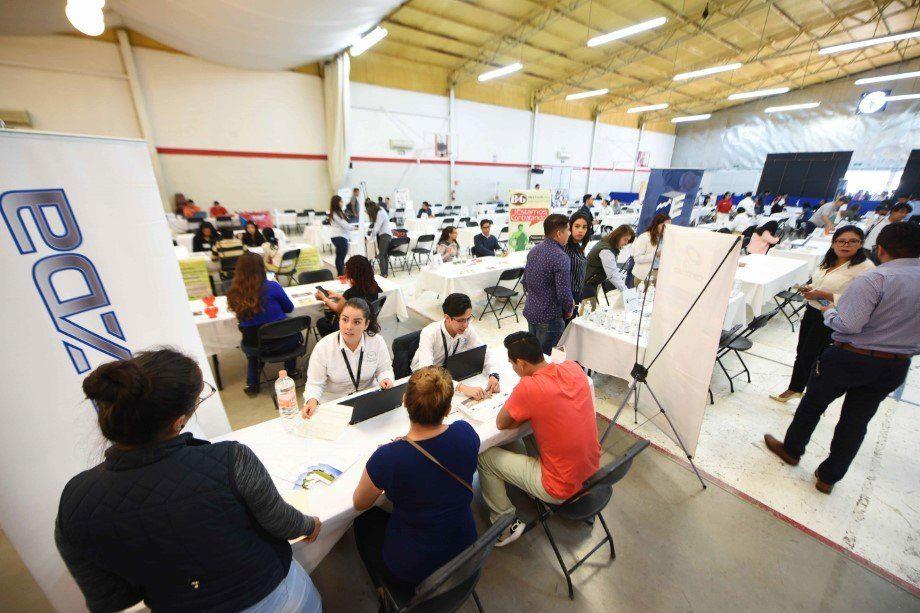 Photo of Ofertan 70 empresas 2 mil 500 vacantes en la Feria del Empleo de Irapuato