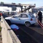 Mujeres intentan cruzar corriendo carretera León-Silao; una muere