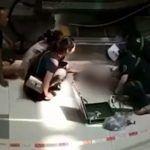 Niño muere tras caer de las escaleras eléctricas