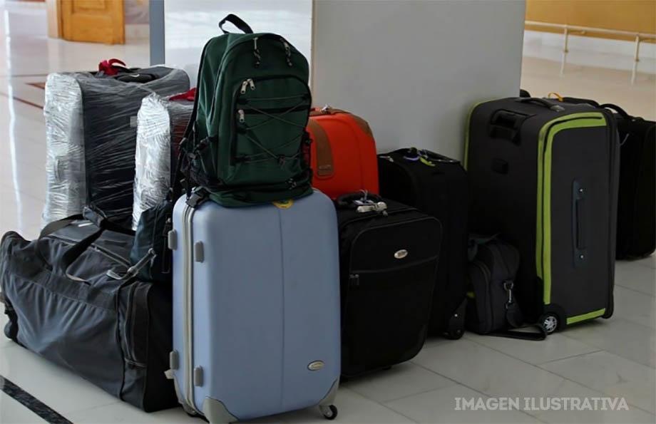 Photo of Mujer intentaba cruzar la frontera escondida en una maleta