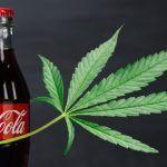 Imagina una bebida de Coca Cola con marihuana