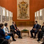 Diego Sinhue se reune con embajador de China