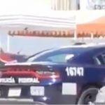 Patrulla de la Policía Federal carga gasolina de ¡huachicol! (Video)