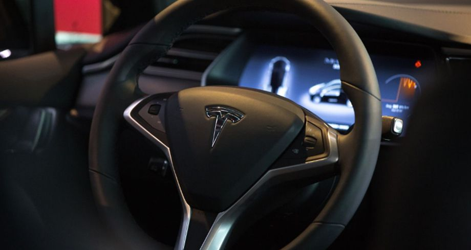 Photo of Tesla dice que su piloto automático es superior a humanos