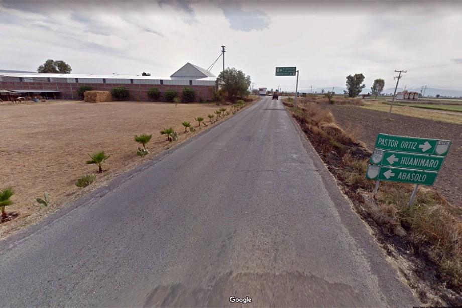Photo of Asesinan a dos personas a balazos; grupo armado había cerrado carretera