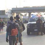 Caravana Migrante se dirige Tijuana; pasa por caseta de Celaya