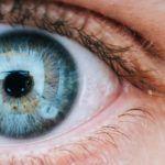 Adiós a los lentes, científicos desarrollan gotas que corrigen la miopía