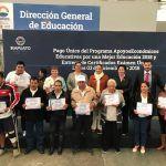 Entregan certificados y becas a ciudadanos de Irapuato