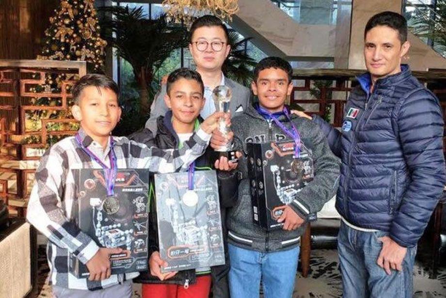 Photo of Estudiantes penjamenses ganan 2° lugar en Torneo Mundial de Robótica