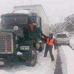 Nevadas provocan el cierre de carreteras entre Sonora y Chihuahua