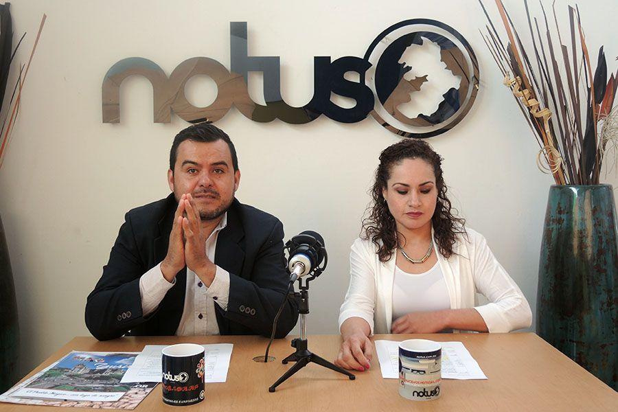Esaú González y Cristina Gallegos conductores de Notus