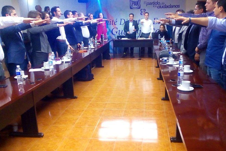 Photo of Ahora sí, el PAN levanta la voz, pero ante la violencia, impunidad, corrupción… hacían MUTIS