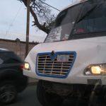 Camión de los azules circula sin placa, sin facia y sin faros