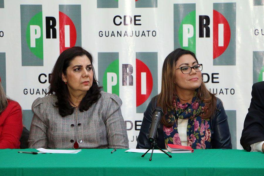 La Presidenta del PRI en Guanajuato, Celeste Gómez y Maricela Valázquez