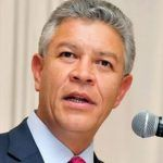 Director de Infonavit gana 700mil pesos mensuales