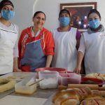 """Desde la cocina de las """"Sritas. González"""" la Rosca de Reyes"""