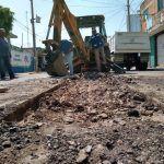 Realiza Agua Potable mantenimiento a línea de drenaje en municipio