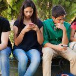 ¿No puedes vivir sin tu teléfono celular? ¿Lo consideras una adicción a las redes sociales?