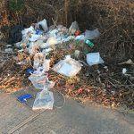 Varios tramos del Cuarto Cinturón Vial se encuentras llenos de basura