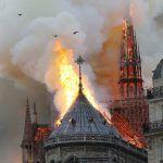 Devorada por las llamas La catedral de Notre Dame de París