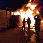 Arde en llamas recicladora en San Javier