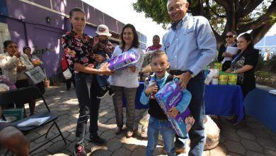 Photo of Leche, pañales, andaderas y medicamentos se entregan a solicitantes