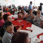Festejan a las mamás de Centro Gerontológico