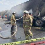 Suman 21 muertos tras accidente en autopista Veracruz-Puebla
