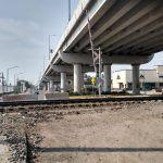 """""""Obra en abandono"""" bloquea circulación abajo del puente de la 1 de Mayo"""