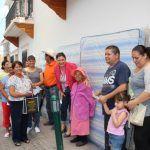Familias neopoblanas reciben colchones nuevos