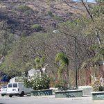 Deportiva de Abasolo, grafiteada, zona peligrosa y con una barda cayéndose