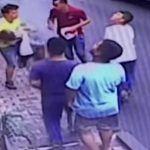Heroico joven salva a niña que cae de una ventana