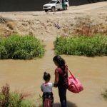 Encuentran a mujer y 3 niños migrantes muertos en zona fronteriza de Texas