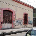 Se quejan por viviendas grafiteadas en zona centro