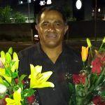 El carismático vendedor de flores Juan Carlos Rangel Castañeda