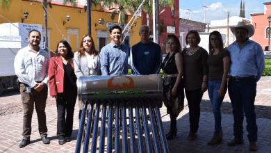 Photo of Continúa gestión de Adolfo Alfaro; entrega 369 calentadores solares