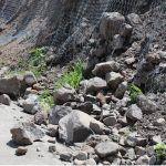 Siguen deslaves con rocas grandes en Cuarto Cinturón Vial