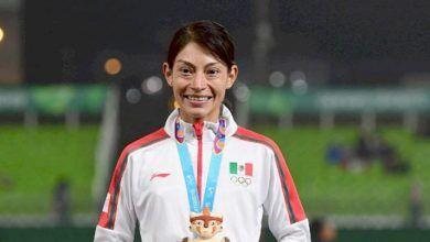 """Photo of """"La Gacela de La Sauceda"""", Laura Galván vuela en los 5,000 metros y consigue el oro Panamericano"""