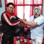 Irapuato tiene a sus ídolos de lucha libre: Maremoto y Maremoto Jr.