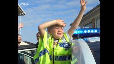 Photo of Niño llamó a la policía para invitarlos a su cumpleaños y recibió el mejor de los regalos