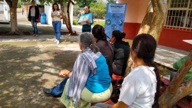 Photo of Dan plática de los Derechos Humanos de las Mujeres en comunidad Nuevo Centro de Población