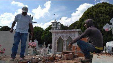 Photo of Salvador y su trabajo de exhumación de restos en el panteón (Video)
