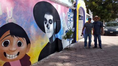 Photo of Dan vida y color a fachada del Panteón de Cuerámaro con «Coco»