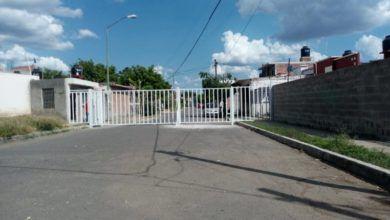 Photo of Enrejan calles y piden apoyo de vigilancia a Seguridad Pública