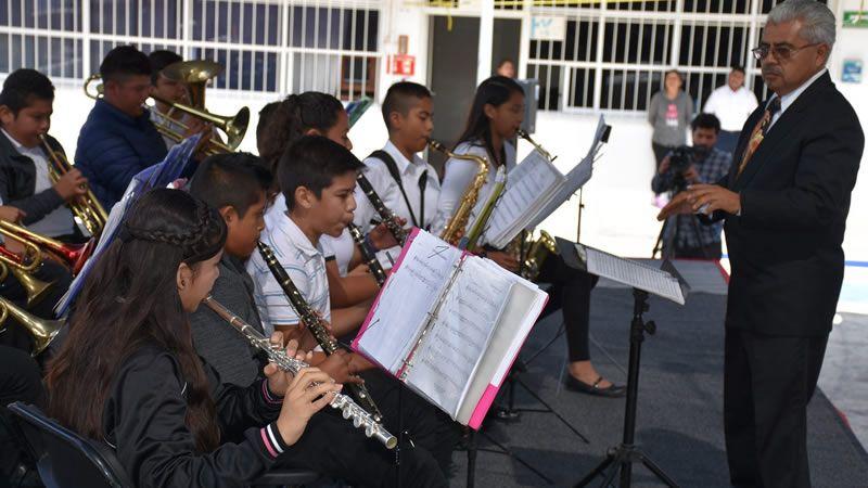 Presentación de Banda Sinfónica Vientos Musicales en CECyTE Abasolo - Periodico Notus