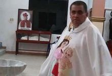 """Photo of """"¿Qué chingados le importa?"""", dice cura de Veracruz a mujer que le reclama por estar ebrio"""