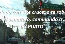 Photo of Cuidado en este cruce: o te roban en el semáforo, caminando o…