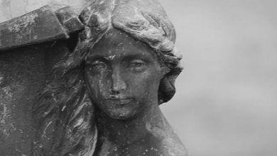 Photo of La joven convertida en piedra y la Serpiente