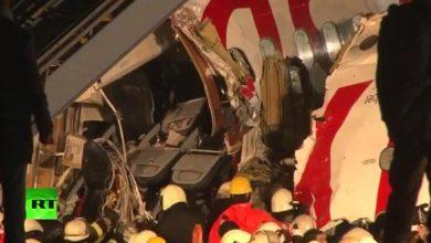 Photo of Se parte en dos avión y se incendia